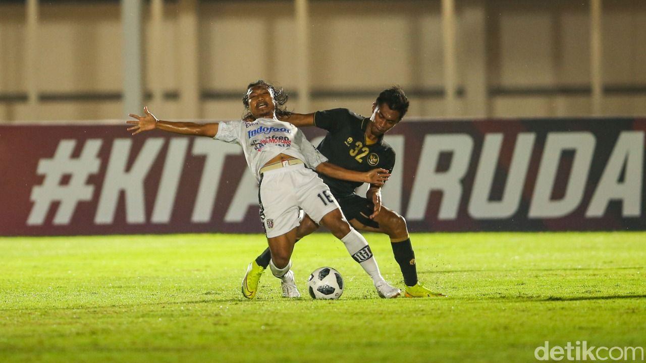 Timnas Indonesia melawan Bali United.