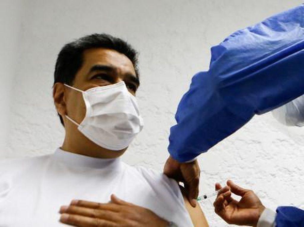 Disuntik Vaksin Buatan Rusia, Maduro Jamin Vaksinasi Semua Warga Venezuela