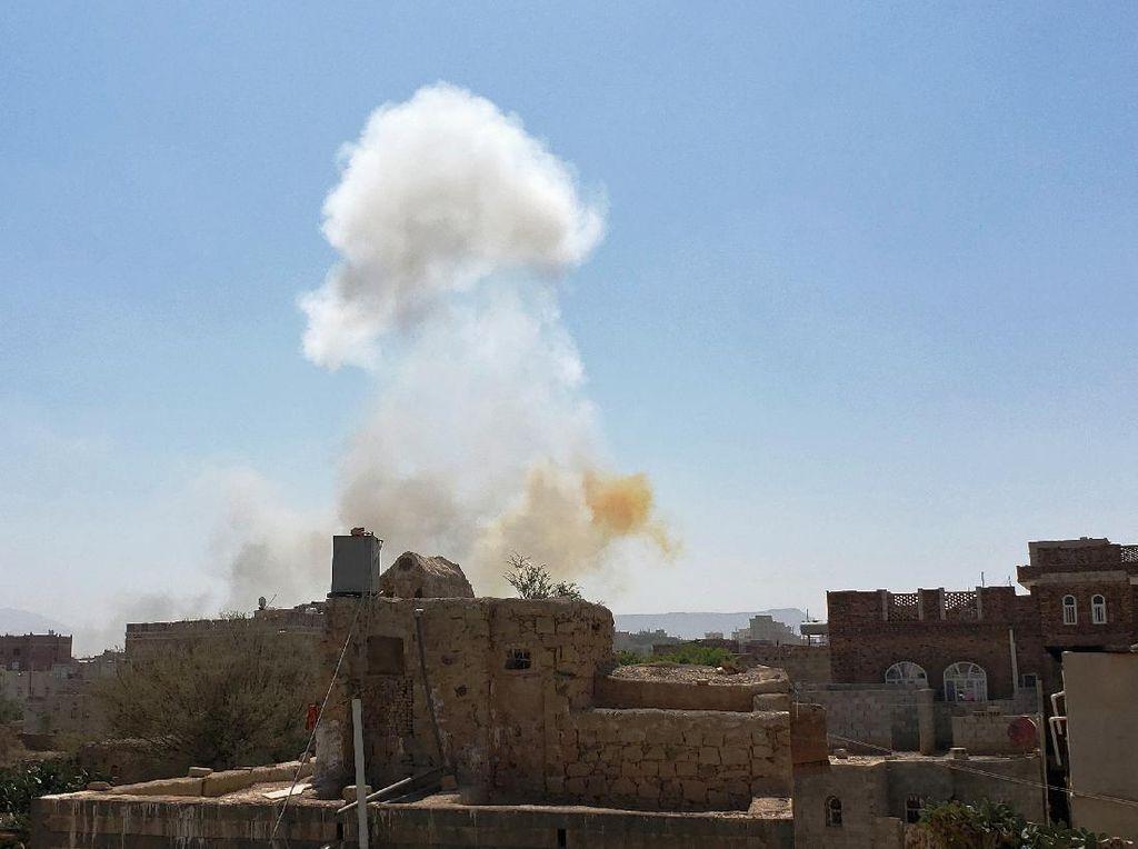 Houthi Lancarkan Serangan Drone Peledak ke Bandara Arab Saudi
