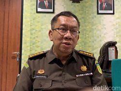 Kasus Korupsi Rp 1,8 M, Kejati Serahkan Sekda Riau Nonaktif ke JPU