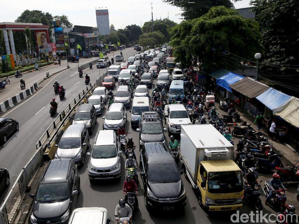 Anies Mau Larang Mobil di Atas 10 Tahun Masuk Jakarta, tapi Terbentur UU LLAJ