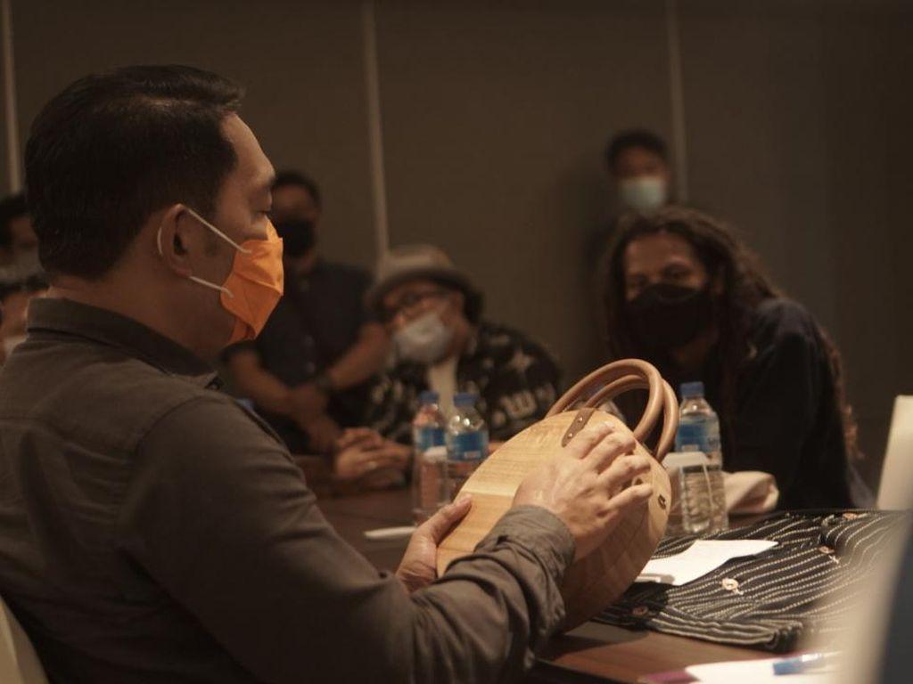 Kolaborasi dengan 22 Brand Lokal, Ridwan Kamil Siapkan Desain Khusus