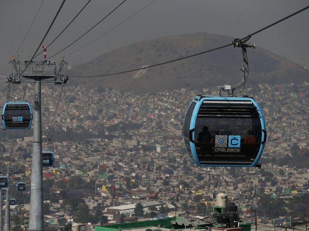 Foto: Cablebus, Kereta Gantung Anti Macet di Meksiko