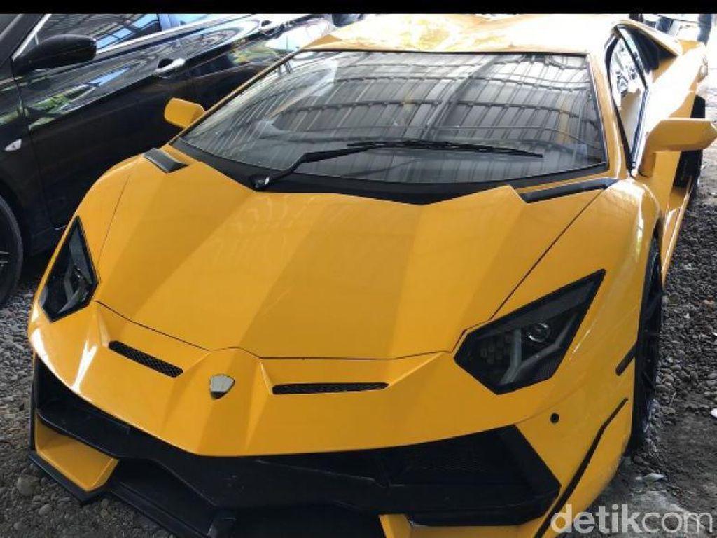 Sihir Lamborghini Made In Gunungkidul dan Tesla Ringsek di Tol Jakarta