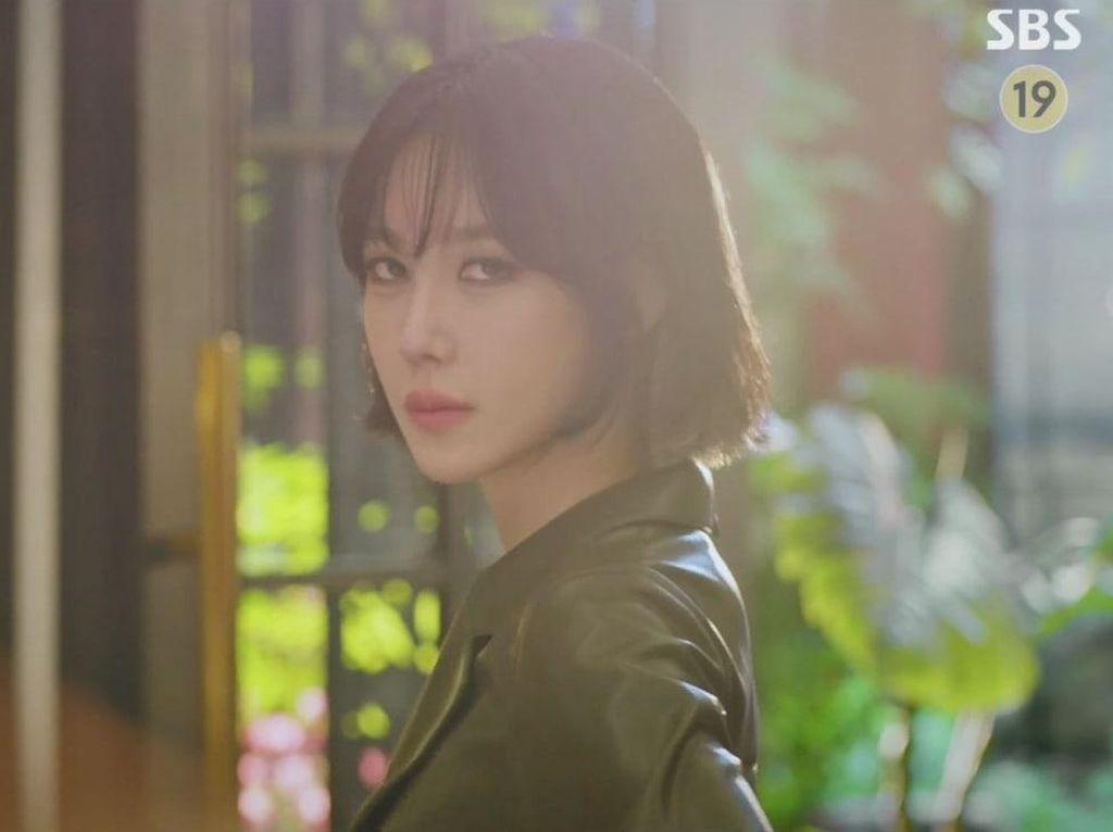 Penampilan Lee Ji Ah Makin Awet Muda di The Penthouse 2, Cantik bak Barbie