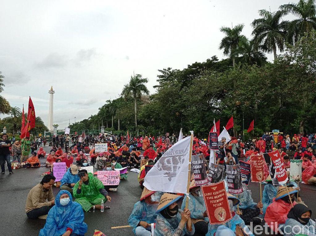 Massa Buruh Demo di Patung Kuda Jakpus, Ini yang Disuarakan