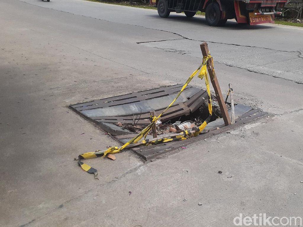 Perbaikan Tutup Gorong-Gorong Jl KH Noer Ali Tunggu Pembahasan Material