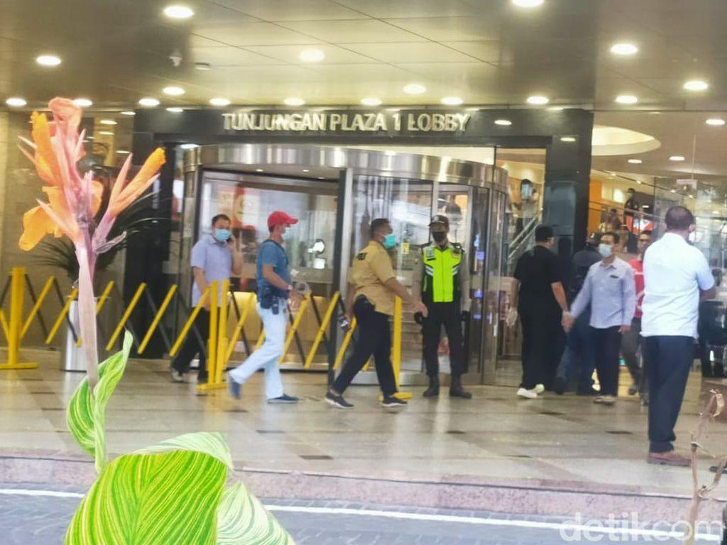 Pria Tewas Terjatuh dari Lantai 2 Tunjungan Plaza Surabaya