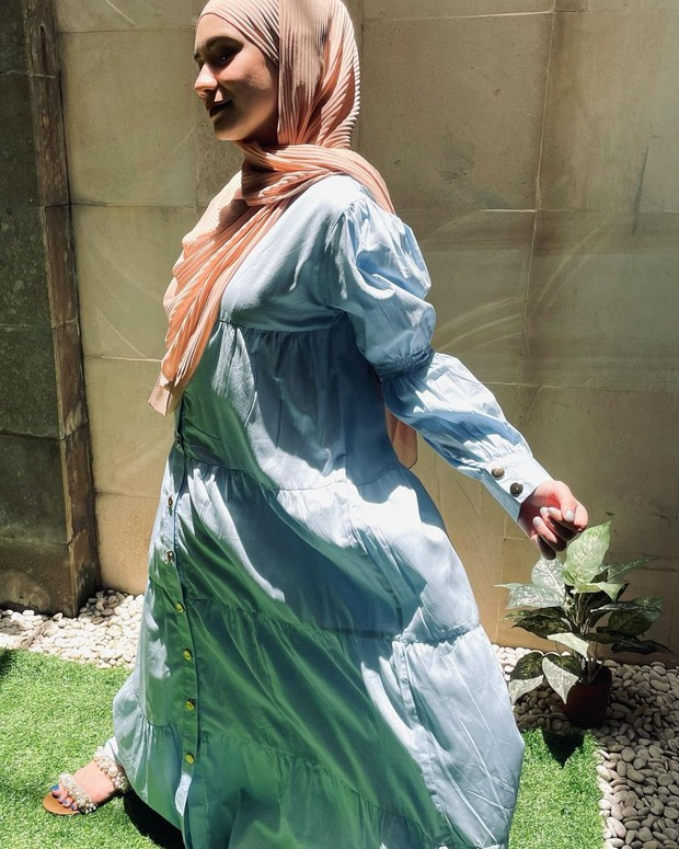 Nora Blue Dress yang dikenakan oleh Putri Anne memang cantik, tapi harganya nggak menyentuh angka Rp. 300.000.