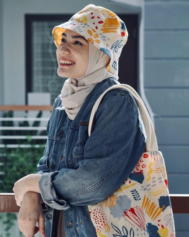 Mentari Senja Series merupakan produk asli Indonesia yang harganya satu paketnya nggak sampai satu juta rupiah.
