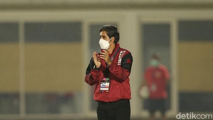 Pelatih Bali United Stefano Cugurra Teco dalam laga uji coba lawan Timnas Indonesia, Minggu (7/3/2021) malam WIB.
