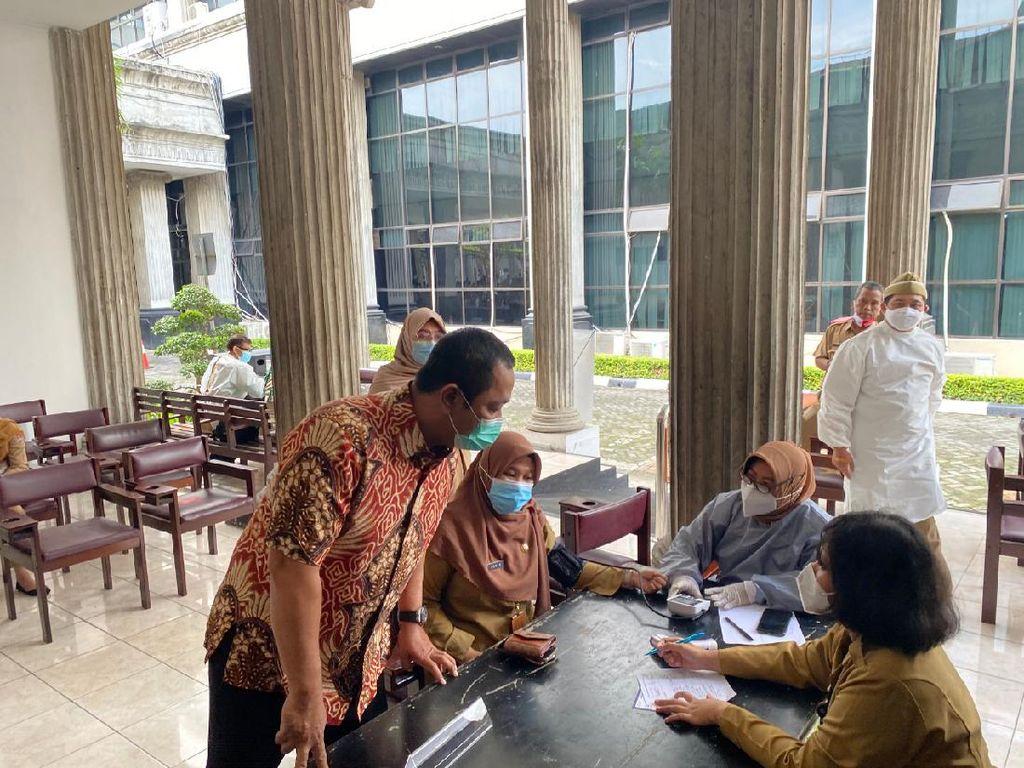 Wali Kota Sebut Penerima Vaksinasi Tahap 2 di Semarang Lebihi Target