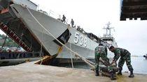 2 Kapal Perang Bersandar di Jayapura, Turunkan 1.350 Prajurit TNI