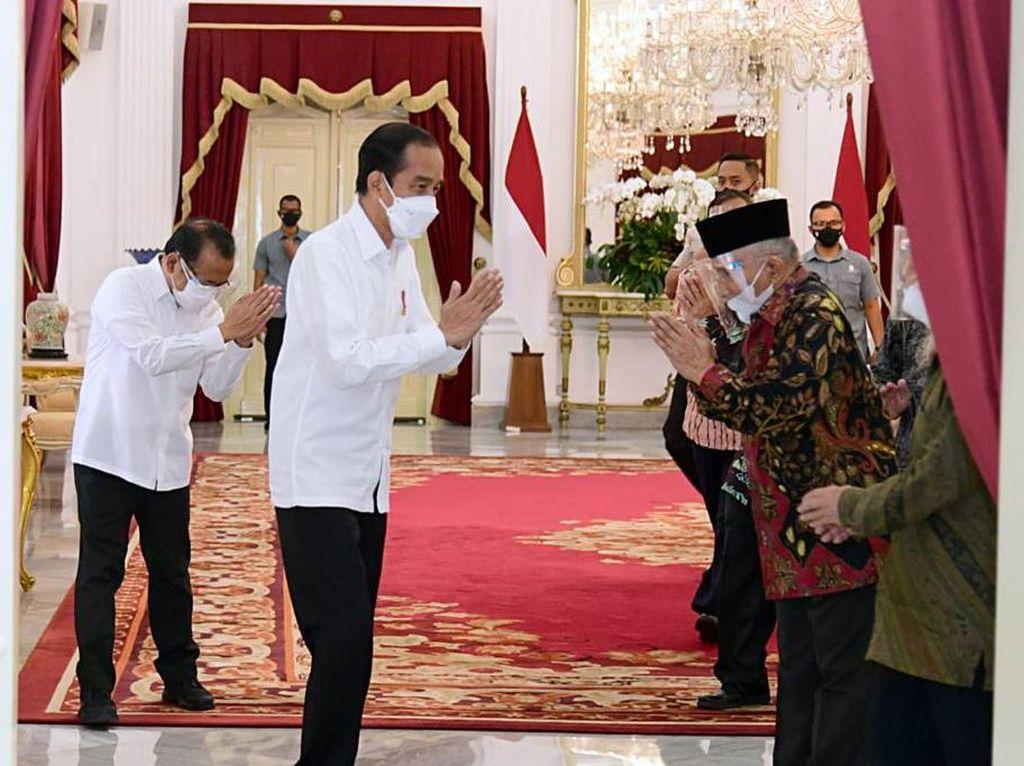 6 Hal yang Diketahui dari Pertemuan Singkat Amien Rais dkk dan Jokowi