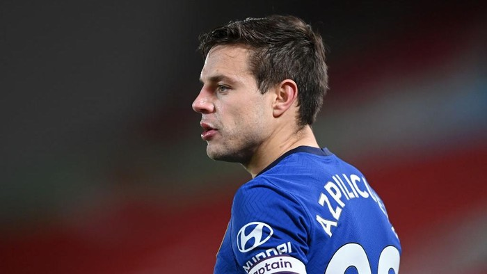 LIVERPOOL, ENGLAND - MARCH 04: Cesar Azpilicueta of Chelsea looks on during the Premier League match between Liverpool and Chelsea at Anfield on March 04, 2021 in Liverpool, England. Sporting stadiums around the UK remain under strict restrictions due to the Coronavirus Pandemic as Government social distancing laws prohibit fans inside venues resulting in games being played behind closed doors. (Photo by Laurence Griffiths/Getty Images)