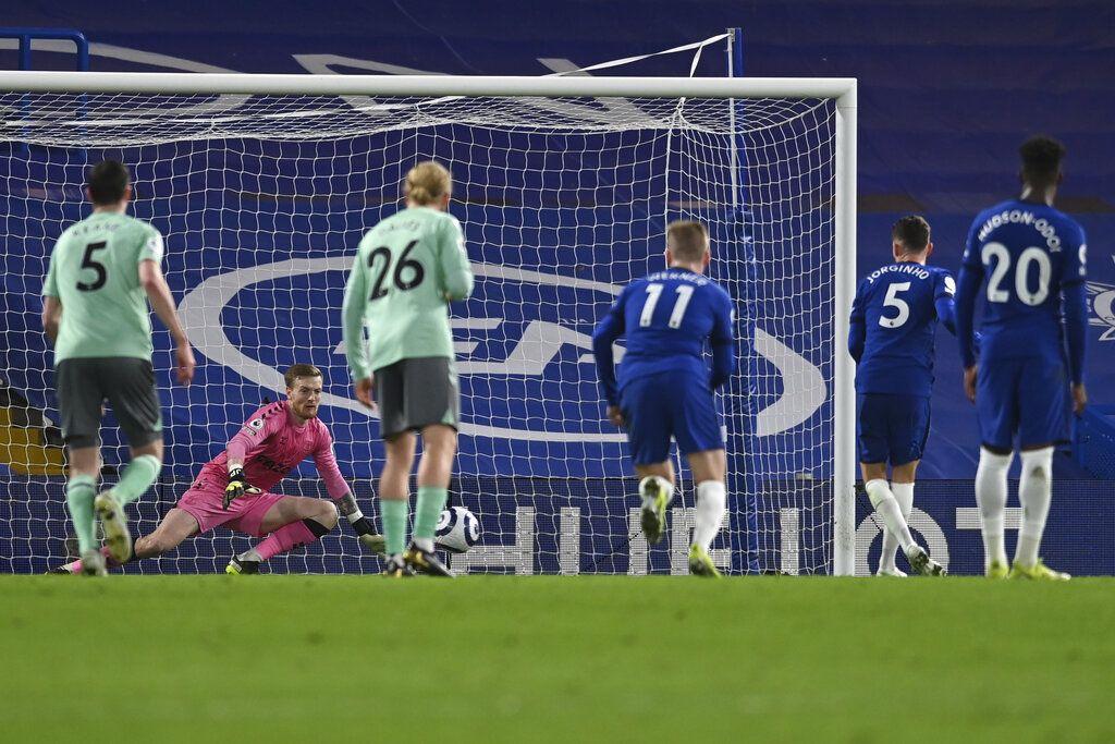 Laga Chelsea vs Everton dalam lanjutan Liga Inggris sudah tuntas. Dalam pertandingan yang dihelat di Stamford Bridge, The Blues menang 2-0, yang mengukuhkannya di posisi empat besar.
