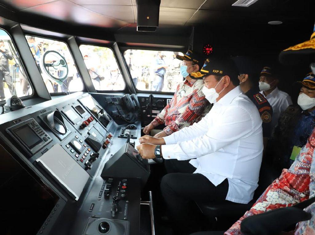 Tambah 2 Kapal Hiu, Trenggono Ngebut Sikat Maling Ikan