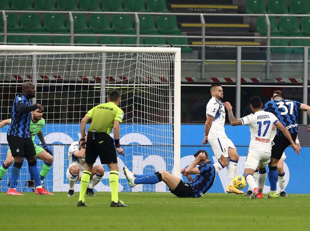 Gol Tunggal Milan Skriniar Bikin Inter Masih Nyaman di Puncak