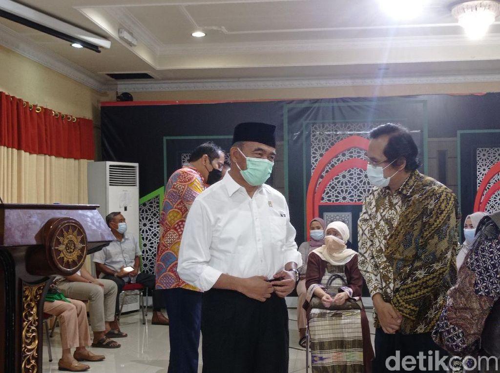 Menko PMK Muhadjir Tinjau Pelaksanaan Vaksinasi COVID-19 di PP Muhammadiyah