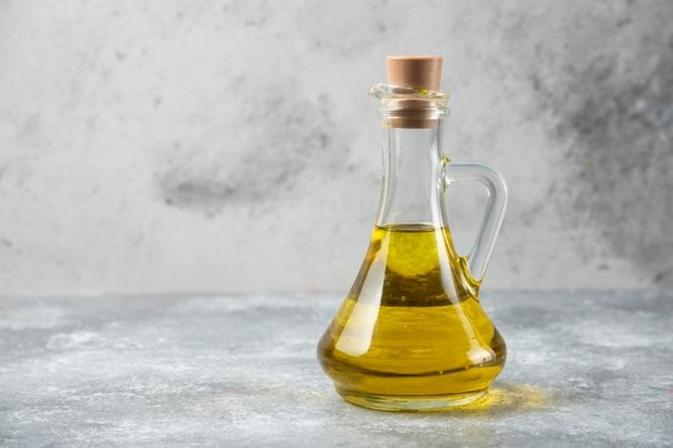 Beras dan minyak zaitun dapat membantu menghilangkan daki.