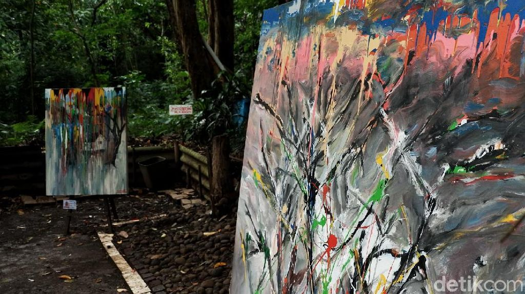 Pameran Lukisan Ini Digelar di Tengah Hutan Babakan Siliwangi
