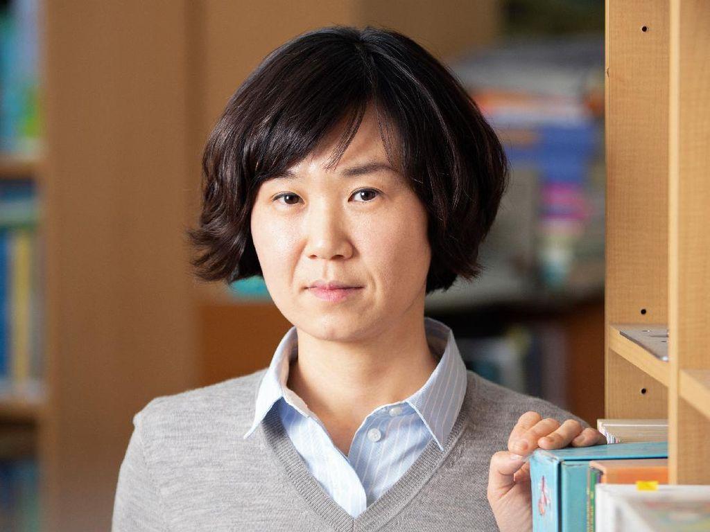 Sukses di Kim Ji-Yeong Lahir Tahun 1982, Cho Nam-Joo Persembahkan Saha Mansion