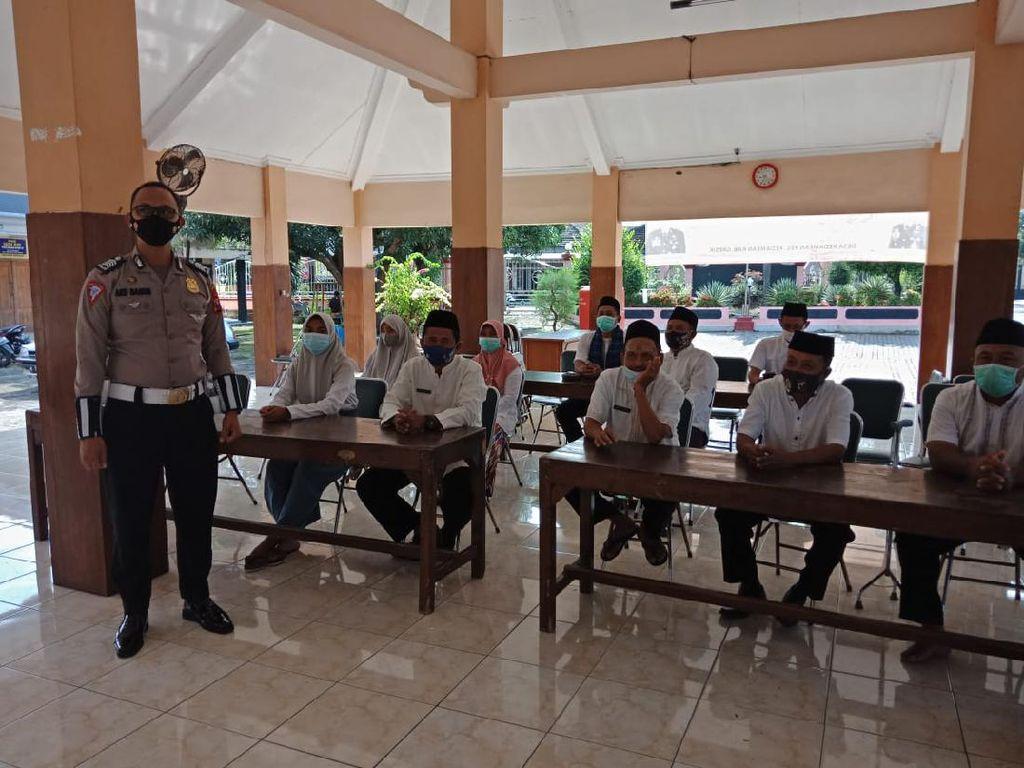 Ada Aksi Polantas Bina Desa Bangkit Semeru di Gresik