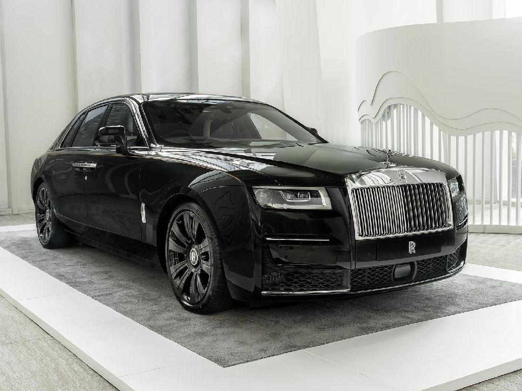 Rekor Tertinggi Rolls-Royce Setelah Satu Abad: Tiga Bulan Kirim 1.380 Mobil