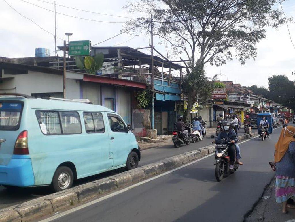 Diatur Petugas Dishub, Jl Moh Kahfi I Sesekali Tersendat di Putar Balik