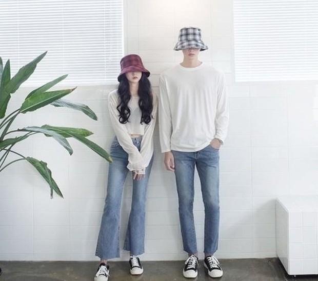 Trik pakai baju couple