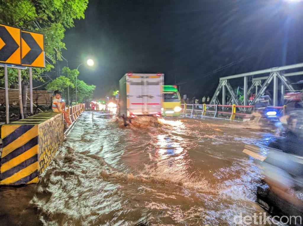 Sungai Petung Meluap, Jalur Pantura Pasuruan Kembali Kebanjiran