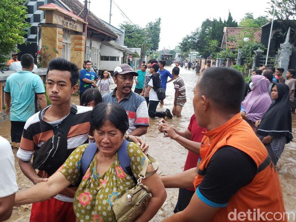Banjir Kembali Terjang 2 Desa di Probolinggo, Warga Menangis Histeris