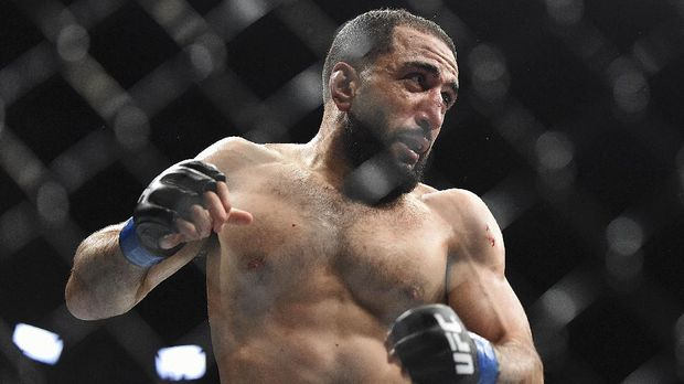 ATLANTA, GEORGIA - APRIL 13: Belal Muhammad fights Curtis Millender during the UFC 236 event at State Farm Arena on April 13, 2019 in Atlanta, Georgia.   Logan Riely/Getty Images/AFP (Photo by Logan Riely / GETTY IMAGES NORTH AMERICA / Getty Images via AFP)