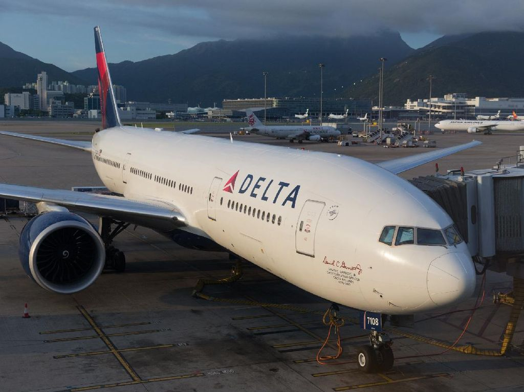 Pramugara Delta Air Lines Dituduh Lecehkan Penumpang ABG