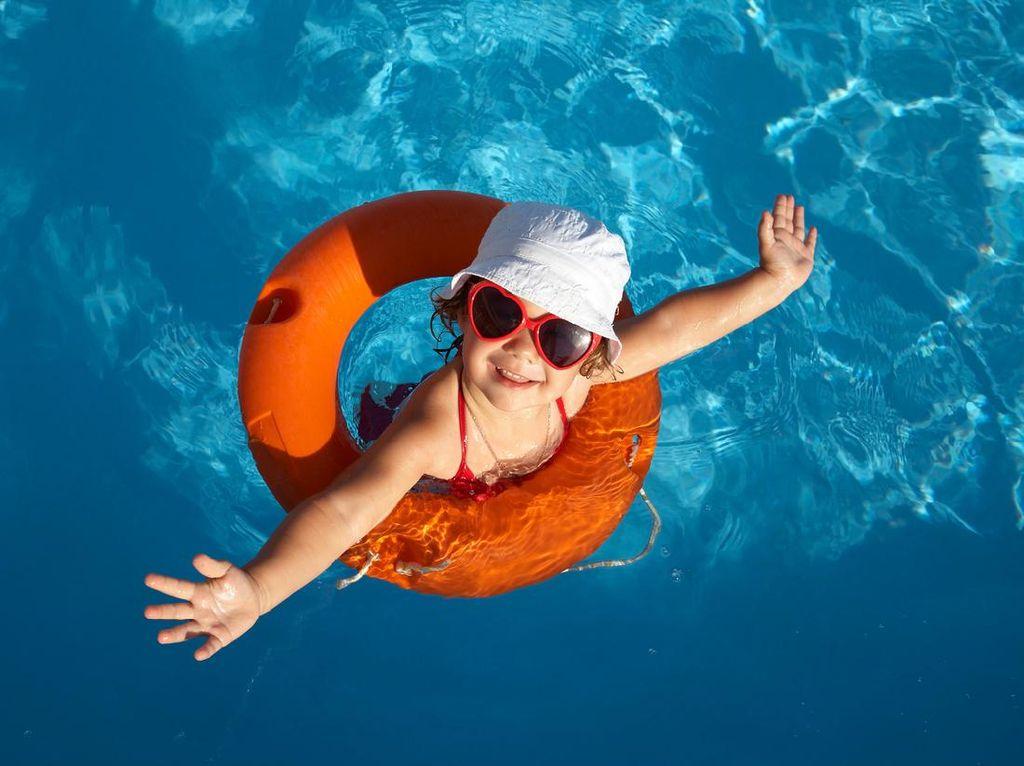 Terpujilah! Remaja Ini Selamatkan Balita yang Tenggelam