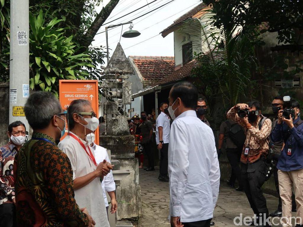 Djoko Pekik, Didik Nini Thowok dan Ratusan Seniman Yogyakarta Divaksinasi