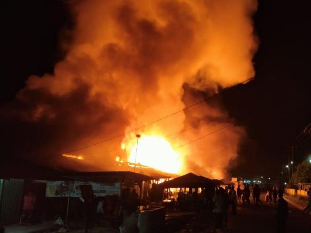 Ngeri Kebakaran Pasar di Kampar Tewaskan Pasutri