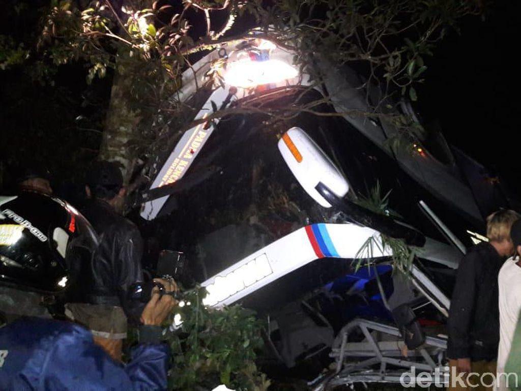 Pemkab Subang Kirim 30 Ambulans Bantu Jemput Korban Laka Maut Sumedang