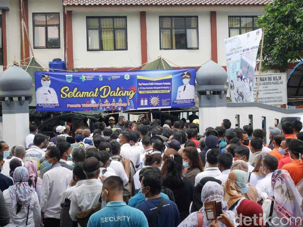 Vaksinasi COVID-19 Pejabat Pandeglang Picu Kerumunan, DPRD: Evaluasi