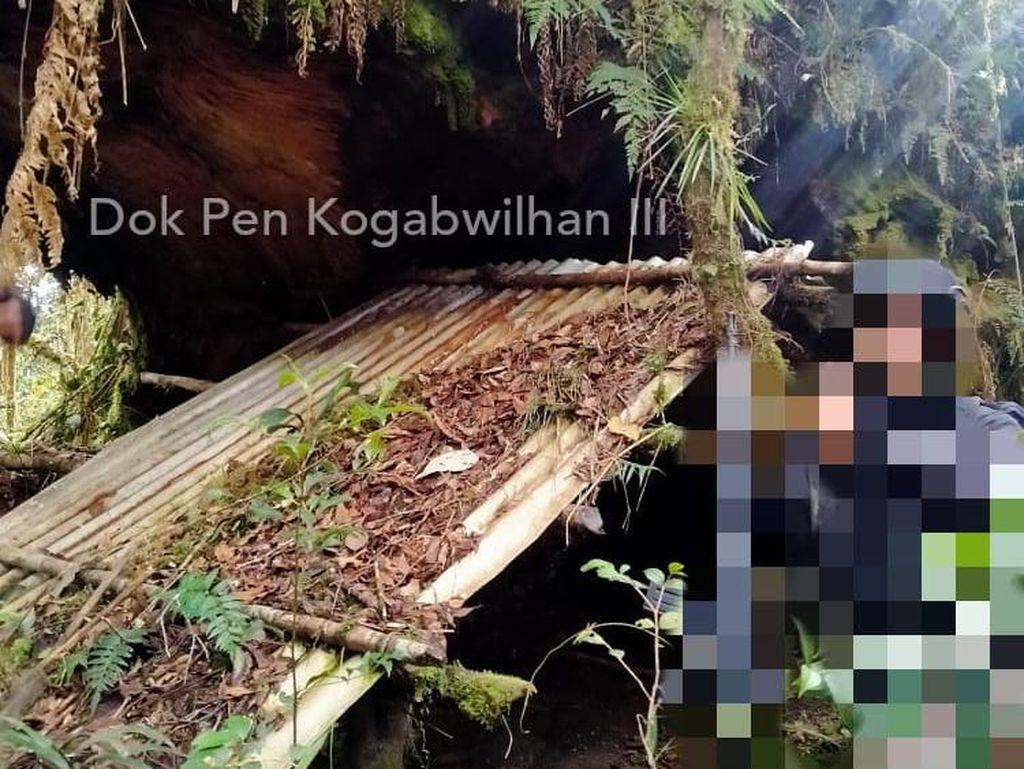 Ini Gua dan Pos Tinjau Gerilya KKB Papua yang Diungkap TNI