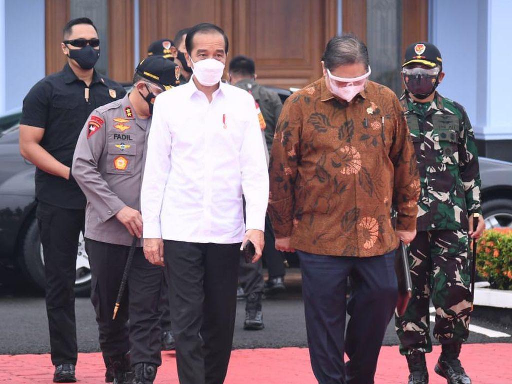 Jokowi Tinjau Vaksinasi Massal di Tana Toraja