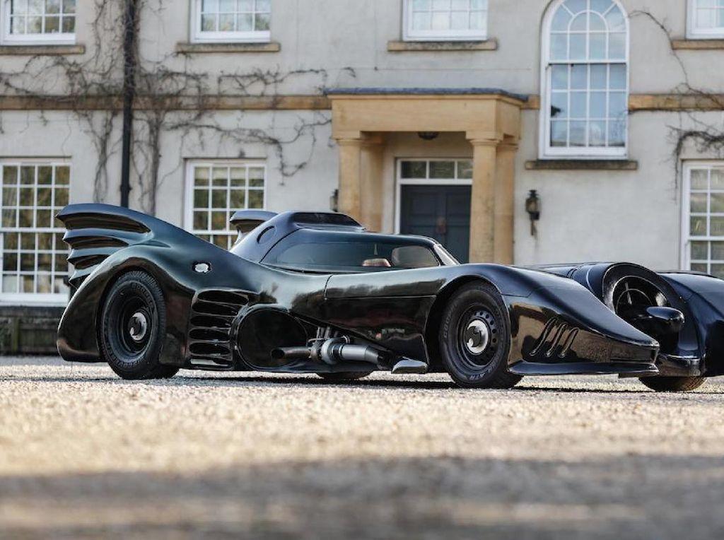 Replika Batmobile yang Dilelang Seharga Fortuner-Pajero Sport