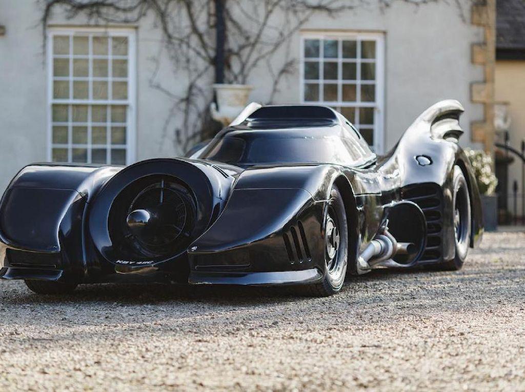 Bisa Buat Gaya-gayaan, Ini Replika Mobil Batman yang Dijual Setara Fortuner