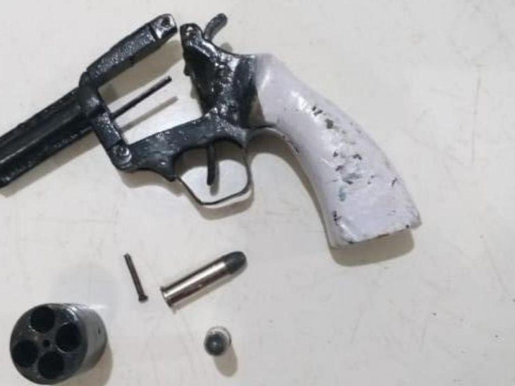 Polisi Ungkap Jaringan Jual Beli Senpi Rakitan di Sumsel, 2 Pria Ditangkap