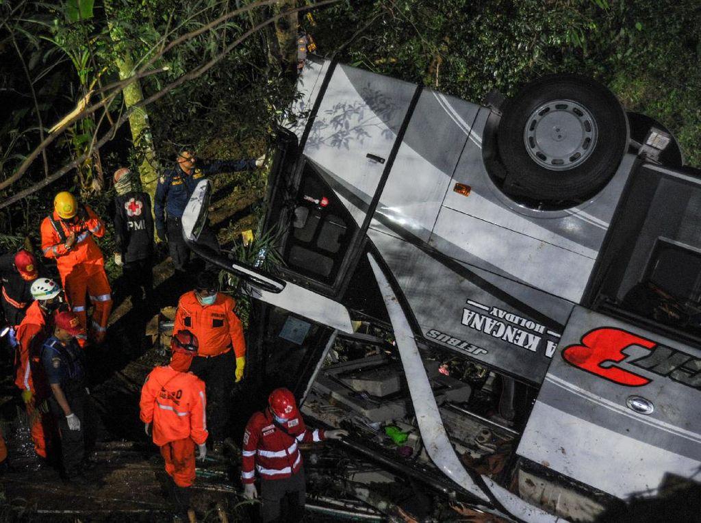 Buntut Bus Maut, Kendaraan Besar Dilarang Melintas Jalur Wado Sumedang