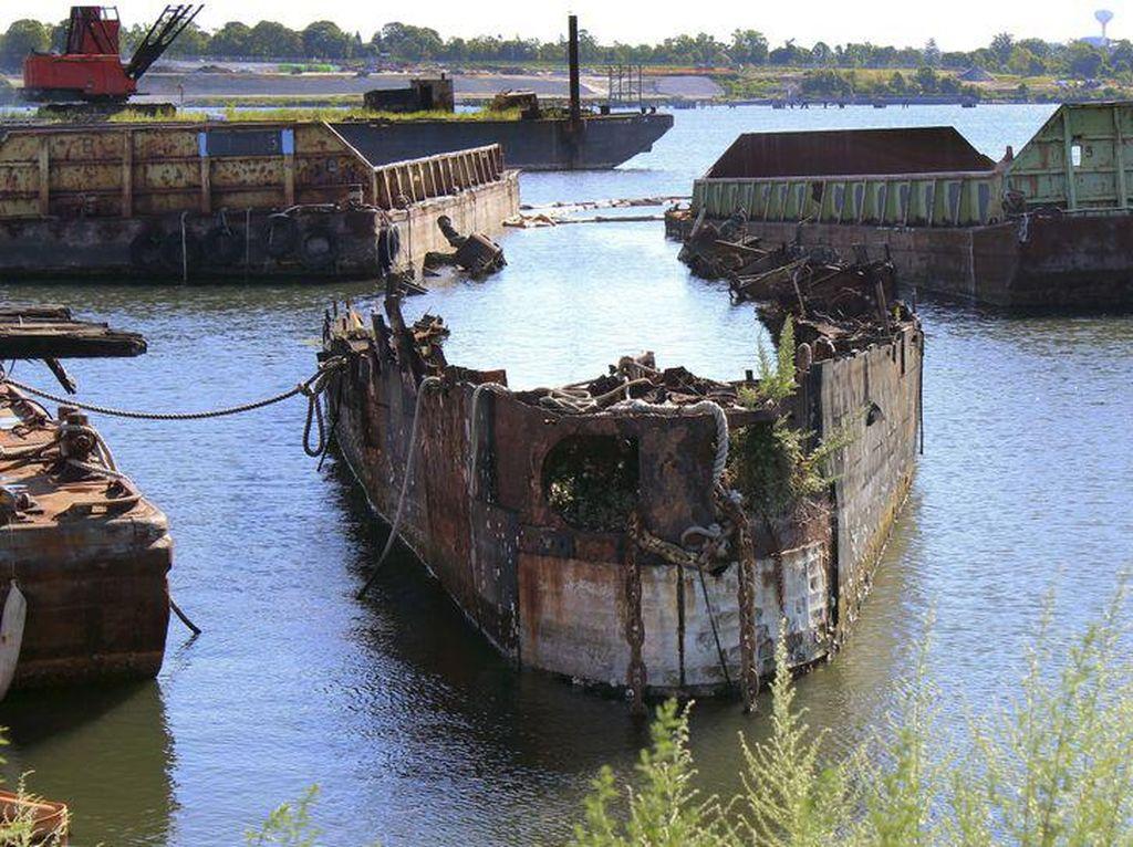 Sayang Sekali, Kapal Selam Rusia Era Perang Dingin Terbakar Hebat