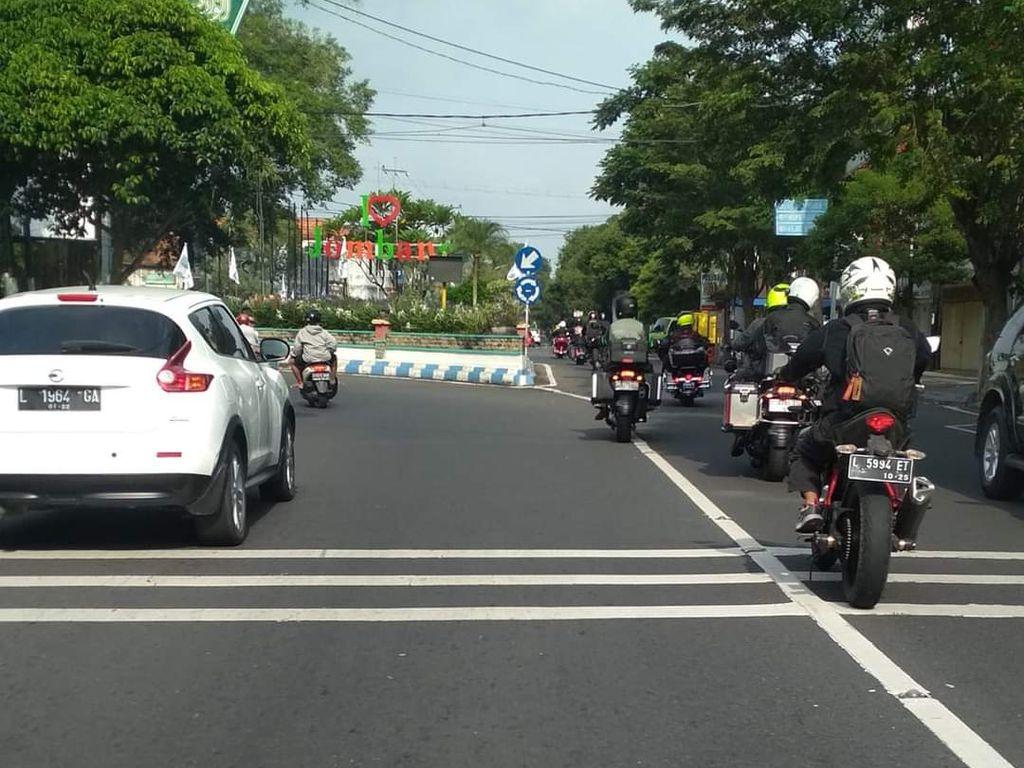 Cerita Biker Dipaksa Menepi Konvoi Moge yang Langgar Rambu Lalin di Jombang