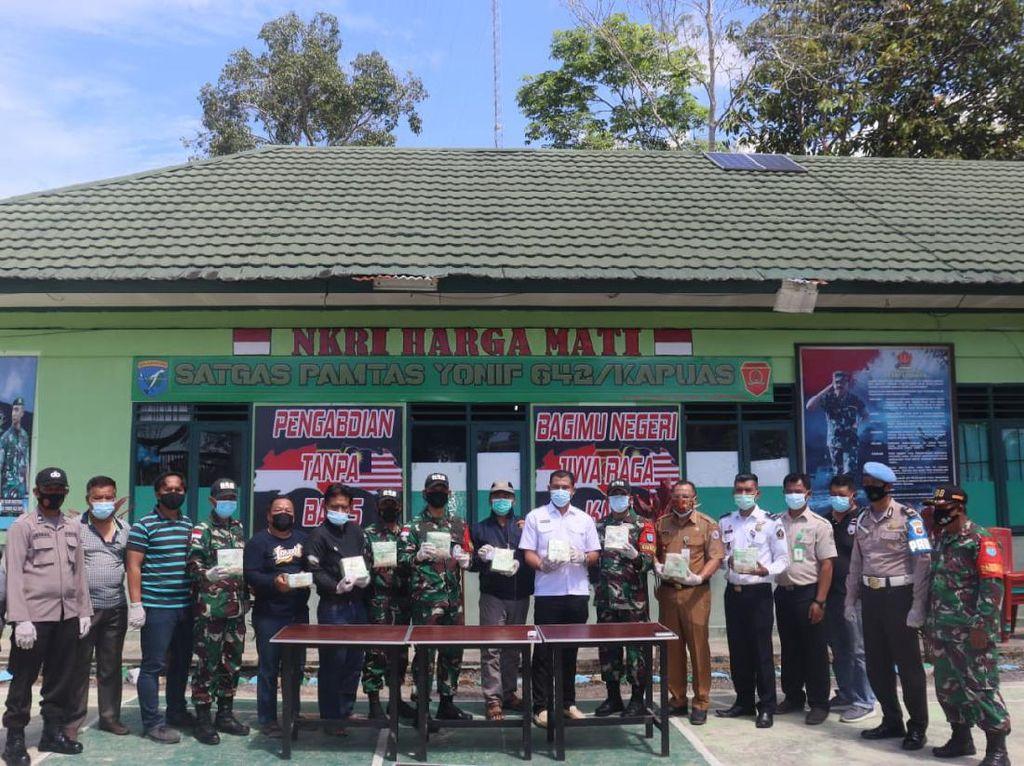Tim Gabungan Satgas Yonif 642 Gagalkan Penyelundupan 10 Kg Sabu di Perbatasan