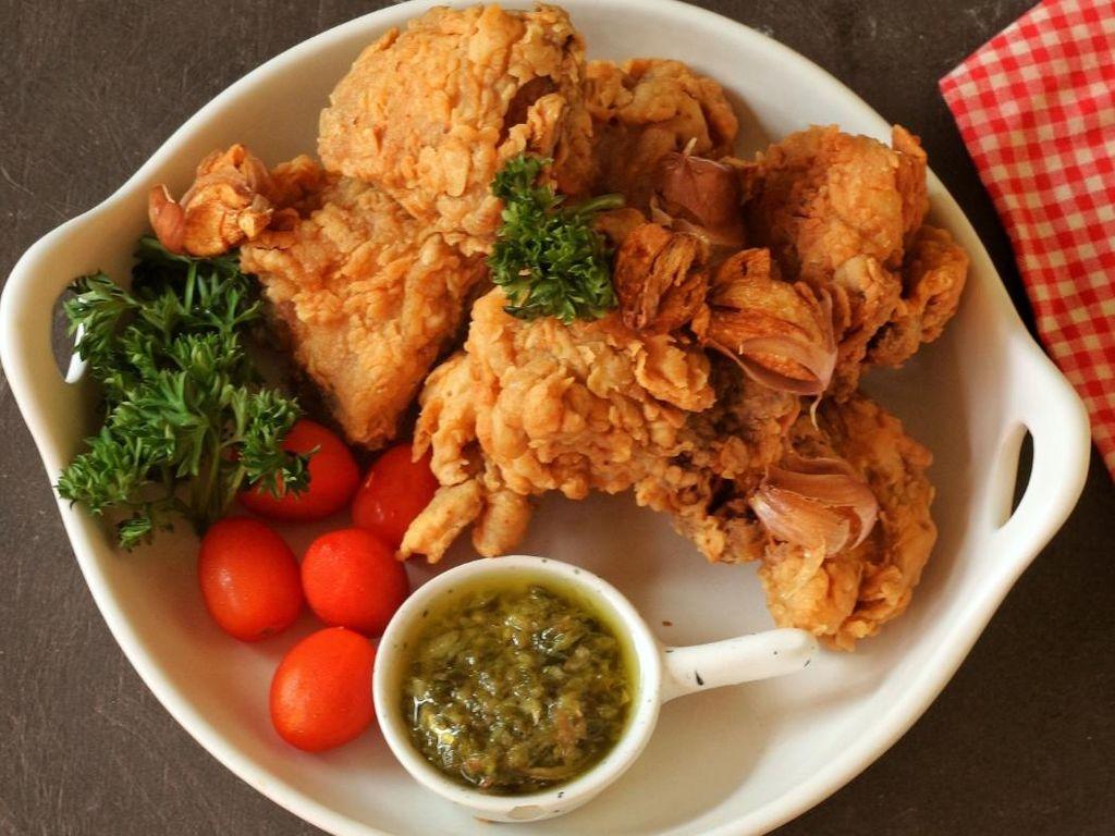 Resep Pembaca : Ayam Goreng Bawang Putih yang Renyah Harum