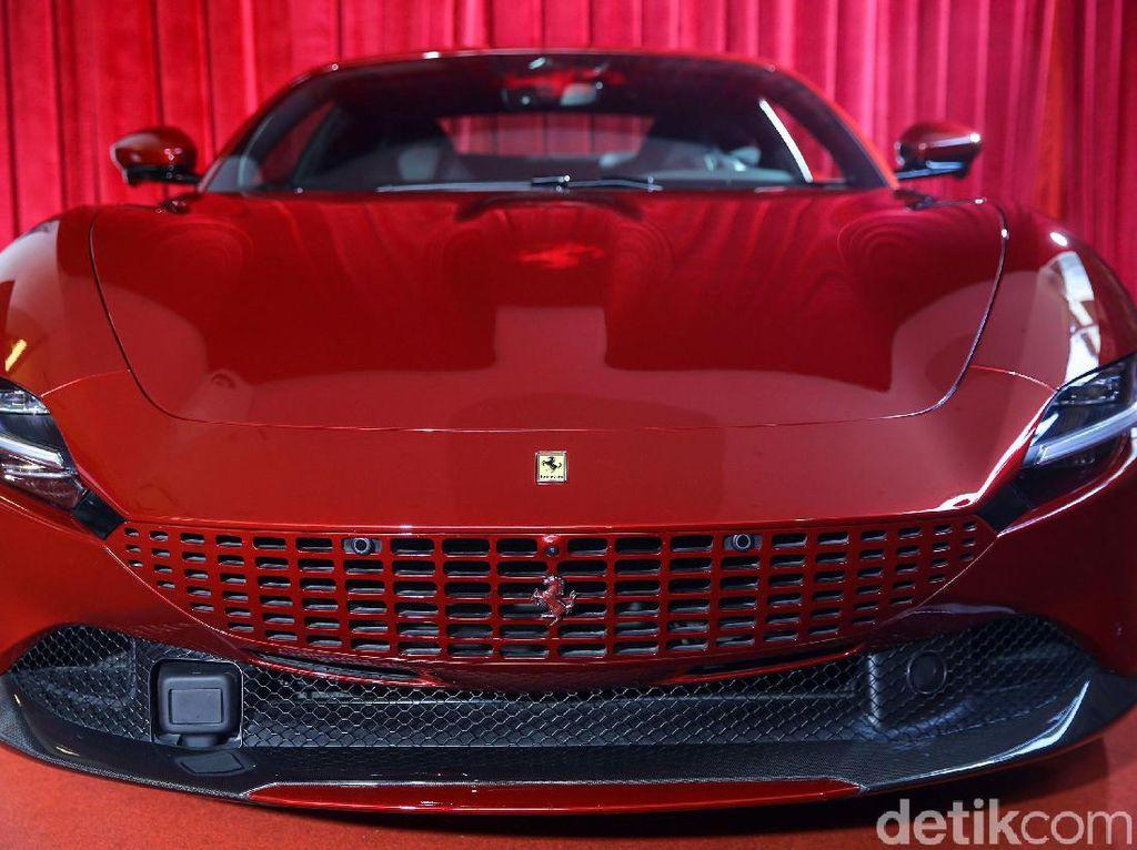 Di Bawah APM Baru, Ferrari Roma dan SF90 Stradale Meluncur di RI